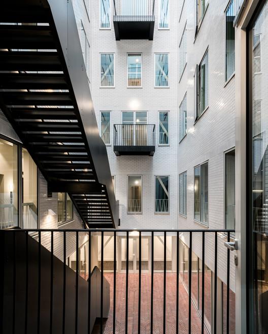 The Record Hall / Karakusevic Carson Architects. Image © Mark Hadden