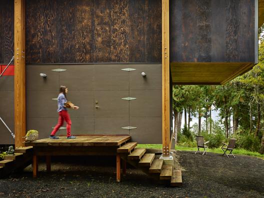 11015_00_Scavenger_Hut_N15 Scavenger Studio / Eerkes Architects + Olson Kundig Architecture