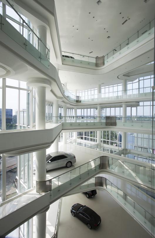 Automotive_gallery_09 Andalan Automotive Gallery and Office / Studio SA_e + Sindhu Hadiprana Design Consultant Architecture