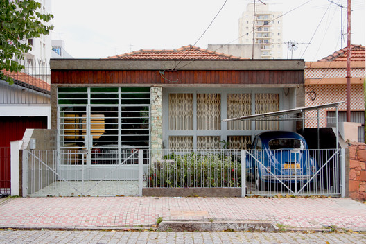 35 São Paulo's Anonymous Architecture Captured by Alberto Simon Architecture