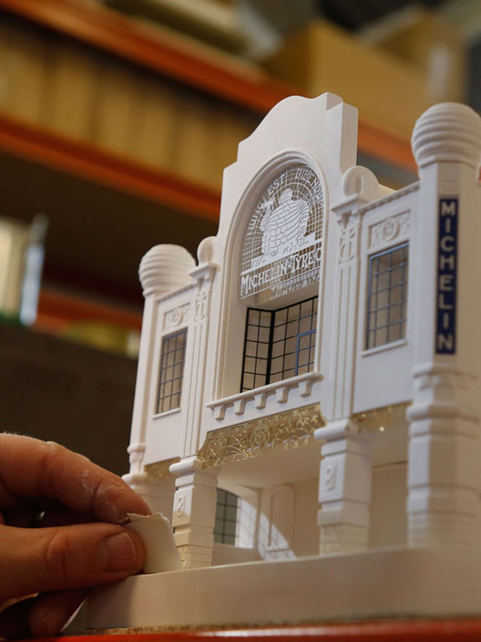 catalogue-building-portrait-03 Chisel & Mouse Recreates Miniature Architectural Icons Perfect for Your Coffee Table Architecture