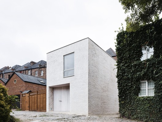 Mews House / Russell Jones. © Rory Gardiner