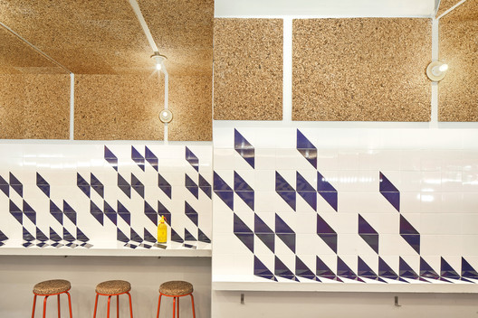 F_JosC%CC%A7_Hevia_(8) Refurbishment of Bar El Villa - Vermuteria del Mar / AMOO | Aureli Mora + Omar Ornaque Architecture
