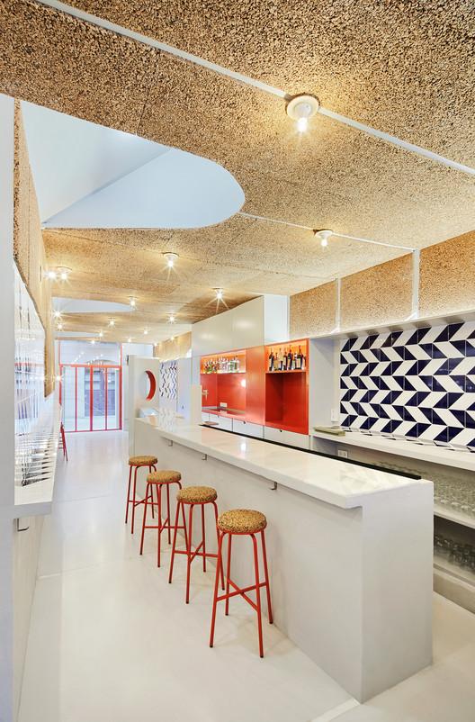 F_JosC%CC%A7_Hevia_(12) Refurbishment of Bar El Villa - Vermuteria del Mar / AMOO | Aureli Mora + Omar Ornaque Architecture
