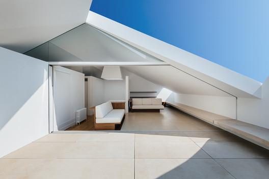 feature_image 'Redondo' Building / Branco-DelRio Arquitectos Architecture