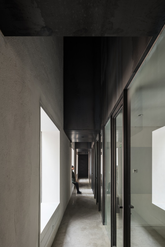Interior Passage. Image Courtesy of TAO - Trace Architecture Office