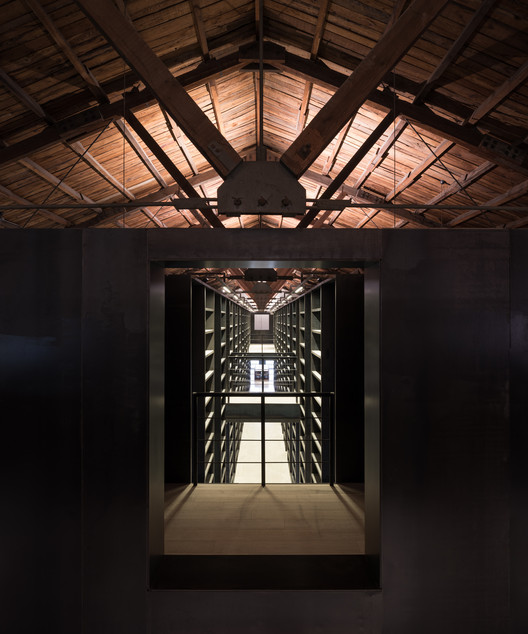 View to Book Corridor. Image Courtesy of TAO - Trace Architecture Office
