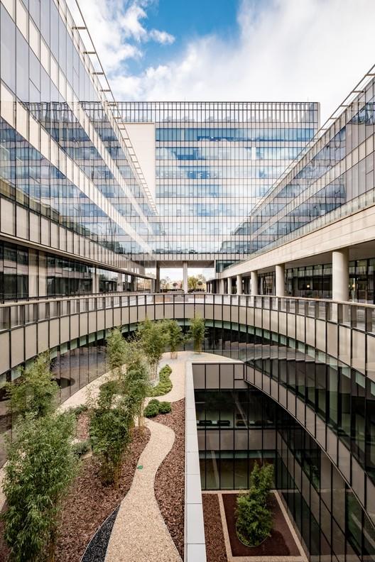 KocUnivHast-Yercekim-DSCF2094-HDR_copy Koc University Medical Sciences Campus / Kreatif Architects + Cannon Design Architecture