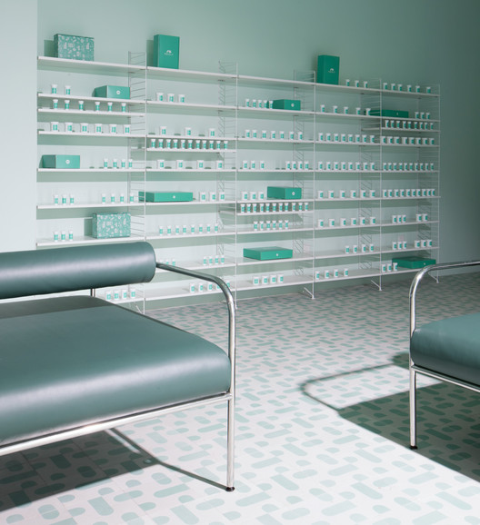 Medly_Pharmacy_Design_4Q2C7507 Medly Pharmacy / Sergio Mannino Architecture