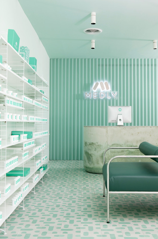 Medly_Pharmacy_Design_4Q2C7675_ Medly Pharmacy / Sergio Mannino Architecture