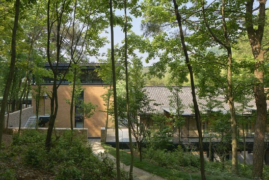 %E4%B8%BB%E6%A5%BC%E5%8F%B3%E4%BE%A7%E5%89%AF%E6%A5%BC%E8%83%8C%E9%9D%A2 Pines House / The Design Institute of Landscape and Architecture China Academy of Art Architecture