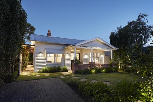 30326 Light Box / Damon Hills + Finnis Architects Architecture