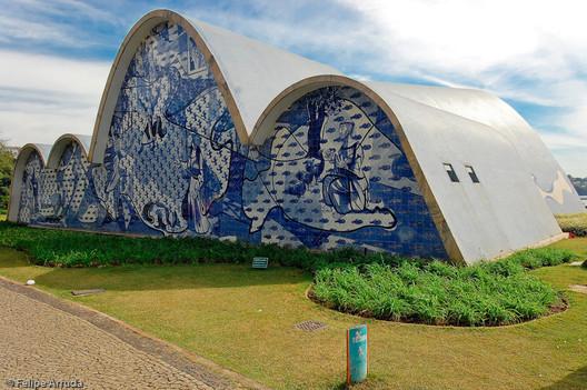 Igreja da Pampulha / Oscar Niemeyer. Image © Felipe Arruda