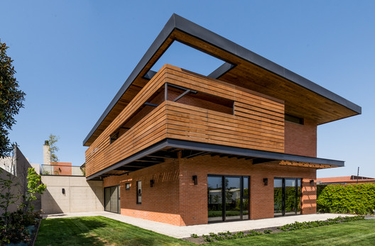 PS-25 PS House / Guillot Arquitectos Architecture