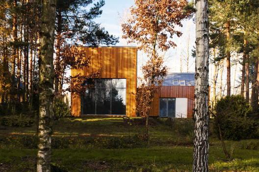 FOREST_HOUSE_KZ_PHOTO_(1) Forest House in Kuźnica Kiedrzyńska / grupaVERSO Architecture
