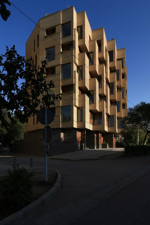 00_(9) Khab-e-Aram Residential Complex / USE Studio Architecture