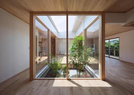 Viviendo con la luz del sol / MOVEDESIGN. Image © Yousuke Harigane