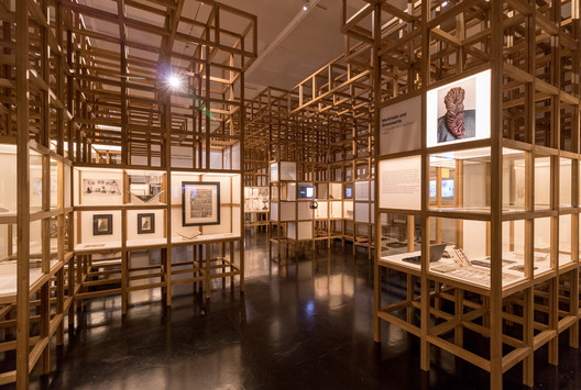 DHMD_Raum_1_3 Kéré Architecture Designs Sceneography for Exhibition on Racism Architecture