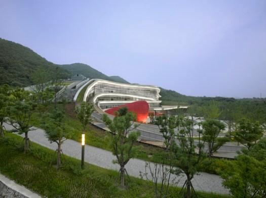 Fangshan Tangshan National Geopark Museum. Image © Roland Halbe