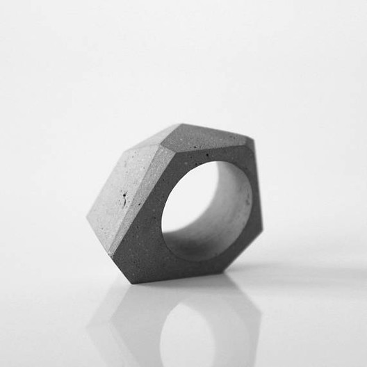 Concrete_Ring_-_Ortogonal Wearable Architecture: 11 Architecture-Inspired Jewelry Lines Architecture