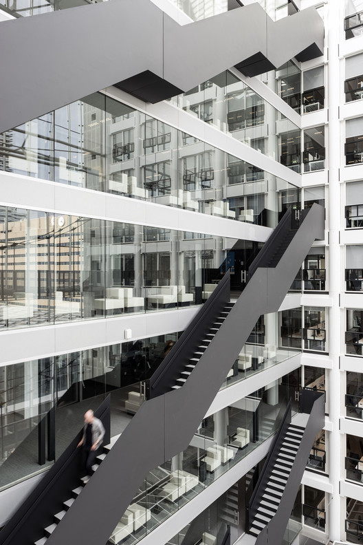 Nick_Guttridge 15 Impressive Atriums (And Their Sections) Architecture
