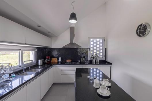 Casa_Inclompleta_WEB_%C2%A9_Ramiro_Sosa_(26) Incomplete House / estudio relativo Architecture