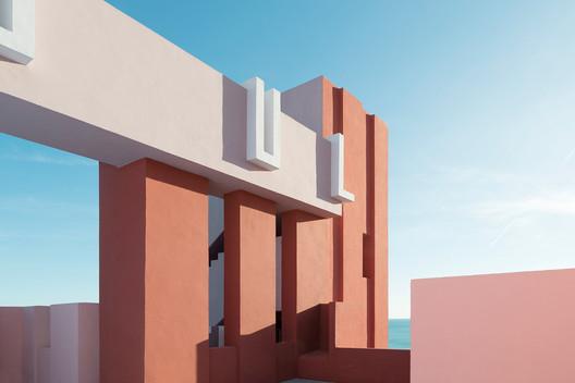 68cb545db65ecc81744c0f62_rw_1920 Ricardo Bofill's La Muralla Roja Through the Lens of Andres Gallardo Architecture