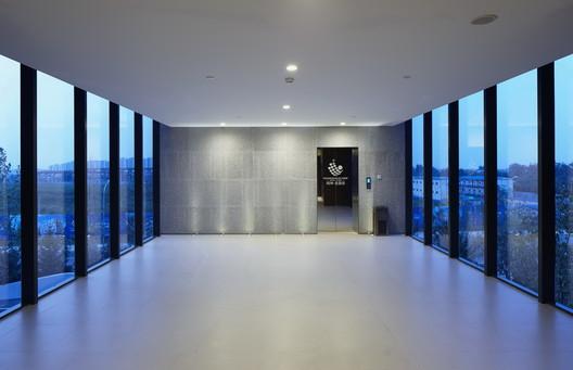 Interior Lift. Image © Chaoying Yang, Huiming Zhang