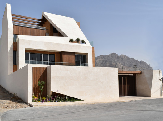 -_Featured_Image Kharand-House / Hamed Tadayon, Mohammad Amin Davarpanah Architecture
