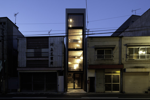 -_Featured_Image 1.8M Width House / YUUA Architects & Associates Architecture