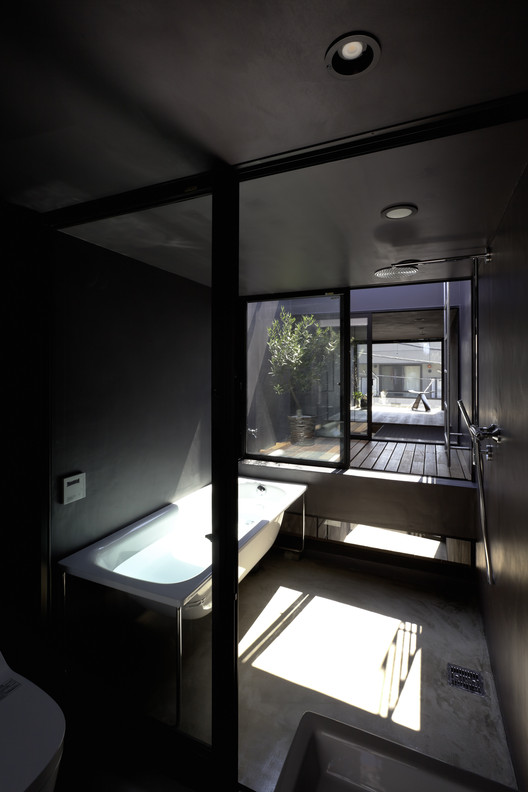 407_okanotei 1.8M Width House / YUUA Architects & Associates Architecture