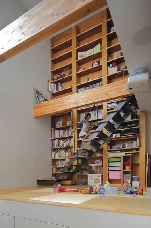 House in Takatsuki / FujiwaraMuro Architects. Image © Toshiyuki Yano