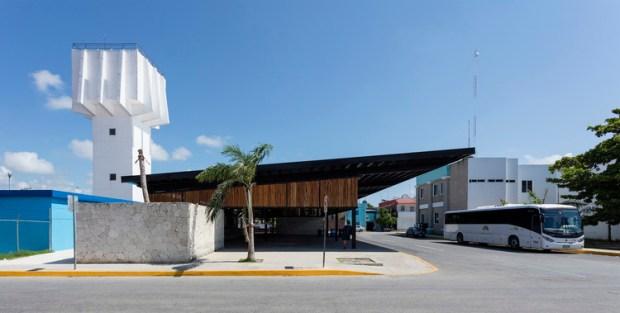 Terminal de camiones / AS Arquitectura + Seijo Peón Arquitectos. Image © David Cervera