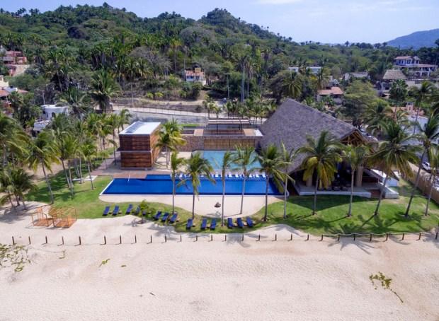 Club de Playa Costa Azul / Biópolis. Image © Biópolis