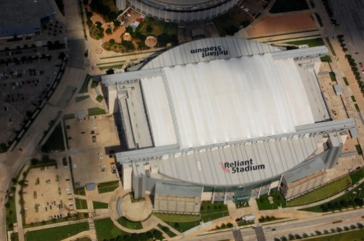© <a href='https://commons.wikimedia.org/wiki/File:Reliant_Stadium_Aerial.JPG?uselang=en-gb'>LoneStarMike</a> licensed under <a href='https://creativecommons.org/licenses/by/3.0/deed.en'>CC BY 3.0</a>