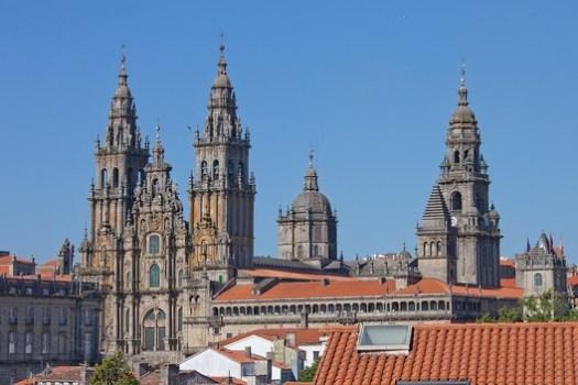 Santiago de Compostela Cathedral. © Luis Miguel Bugallo Sánchez, via Wikimedia. License CC BY-SA 3.0