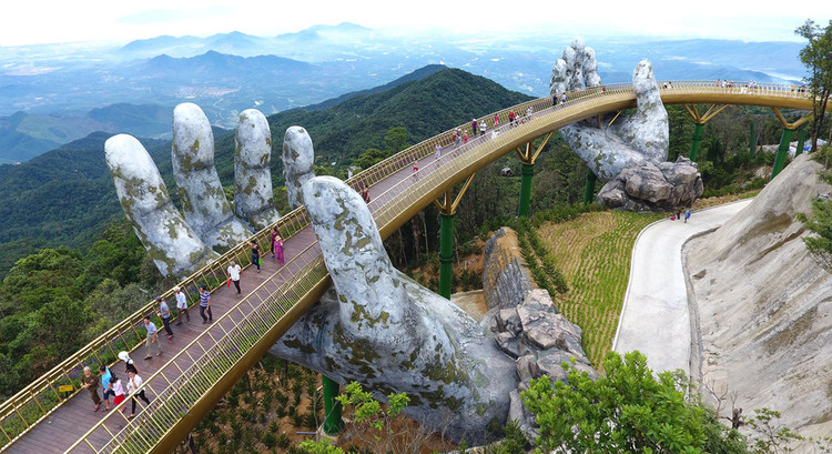 "Vietnam's Daring Golden Bridge Takes a ""Hands-On"" Approach to Tourism 