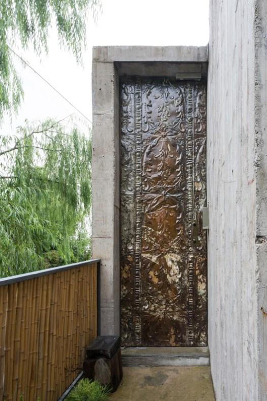 Customized Iron Door. Image © Ryan Chiu