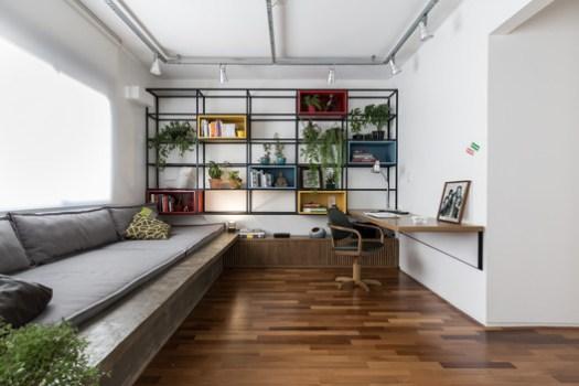 Apartamento POSSAMAI / Sbardelotto Arquitetura + Atelier Aberto Arquitetura. Image © Marcelo Donadussi