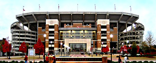 8. Bryant-Denny Stadium / Tuscaloosa, Alabama, USA. Image courtesy of flickr user 23881321@N03. Licensed under CC BY-NC 2.0