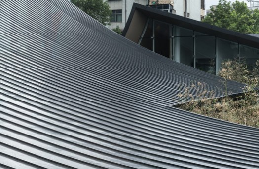 details of slope roof. Image © Yuchen Chao