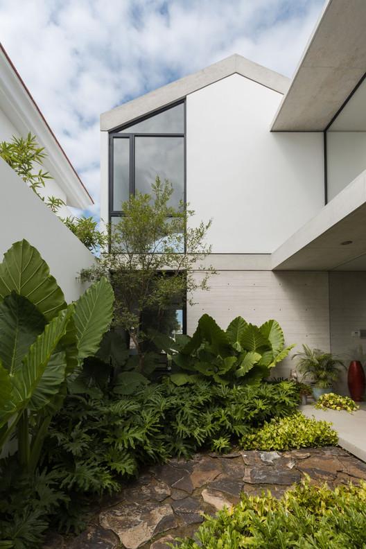 Casa HL-1 / [H] arquitectos. Image © Onnis Luque
