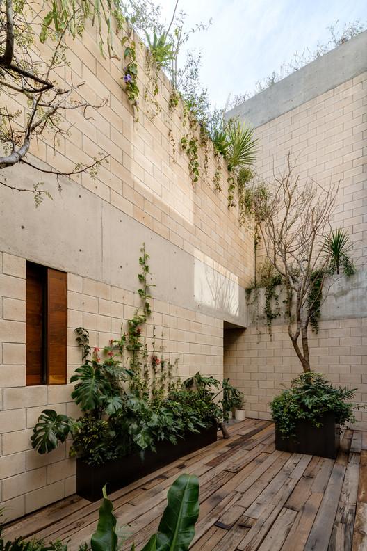 Edificio AS / Ambrosi I Etchegaray. Image © Rafael Gamo