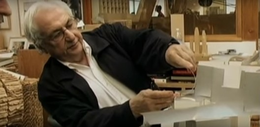 """Screenshot do documentário """"Sketches of Frank Gehry"""""""
