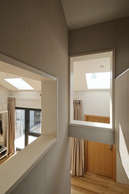 Staircase and windows. Image © Jun Liu