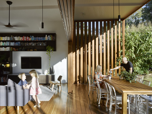 42498 Gresham Street House / Jackson Teece Architecture