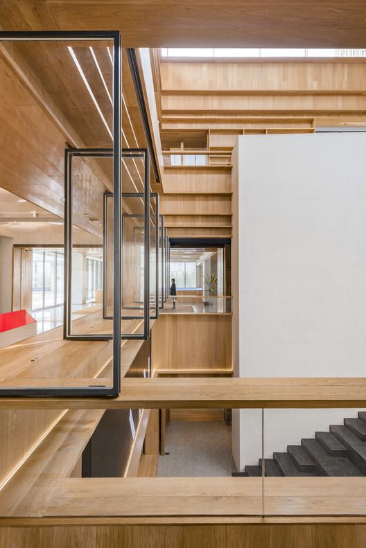 BRIDGE-380-X B Campus / AIM Architecture Architecture
