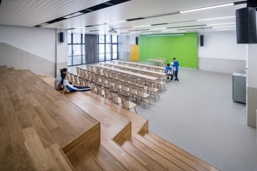 Indoor classroom. Image © Qingshan Wu