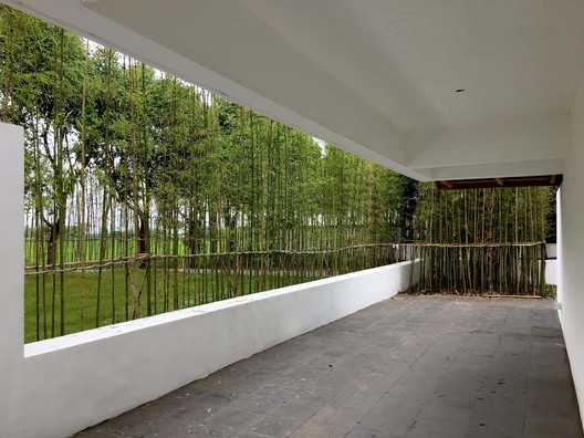 Southern lower floor courtyard. Image © FangFang Tian