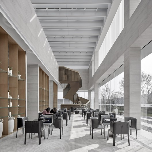 Quiet, elegant leisure space. Image © Jianghe Zeng